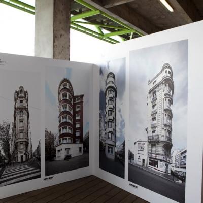 Adhésif sur module en bois pour la Biennale des créateurs d'images