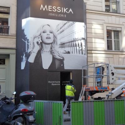 Habillage palissade pendant les travaux de la boutique Messika