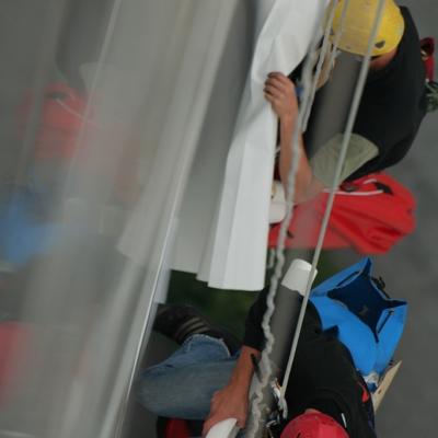 Pose en immeuble de grande Hauteur par techniciens cordistes - Tour EDF 2